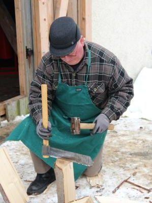 Holzschindeln ziehen
